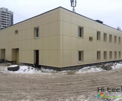 Наружная отделка алюмокомпозитными панелями административного здания в Ярославле.